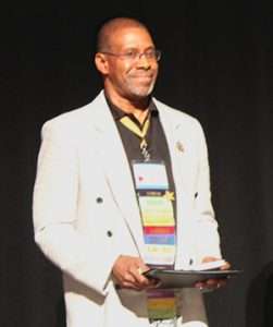 Marvin Burruss recieves the 2018 Multicultural Competency Award